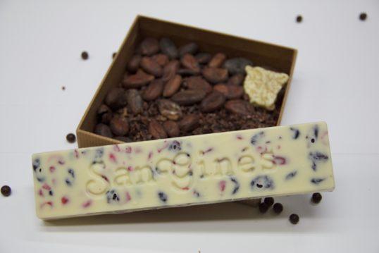 turrón chocolate blanco