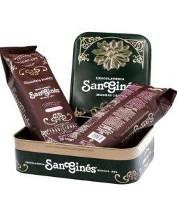 Caja metalica con 2 bolsas de chocolate en polvo